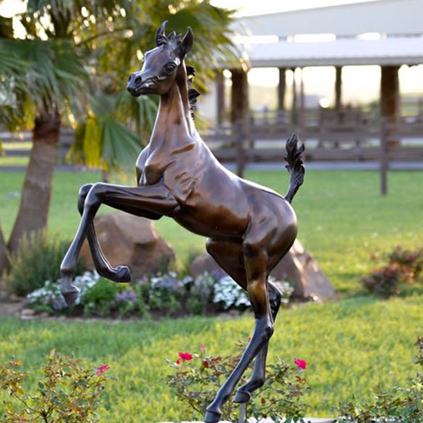 Bronze casting statues of Arab rearing foal with two feet in the air designs